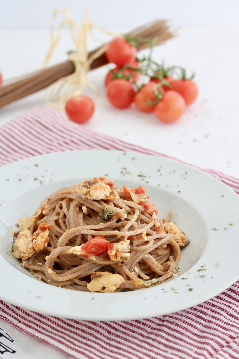 spaghetti di grano saraceno con sgombro