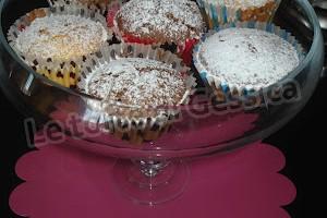 Muffins con panna al cioccolato o all'arancia