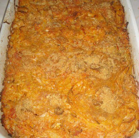 Timballo di spaghetti al cavolfiore, pinoli e mandorle