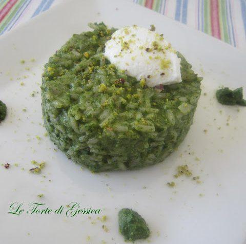 Risotto con spinaci, pistacchi e caprino