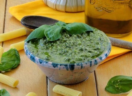 Pesto Genovese con e senza aglio – Ricetta con e senza Bimby