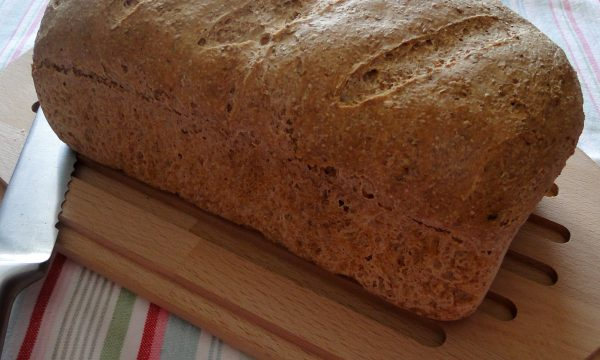 Pane integrale con e senza lievito madre