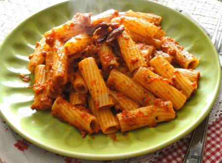 Pasta con Pesto di Pomodori Secchi – Ricetta con e senza Bimby