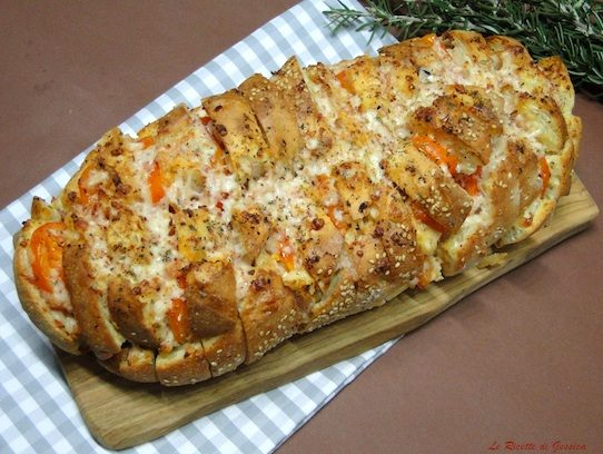 Pane condito al forno - Ricetta con e senza Bimby