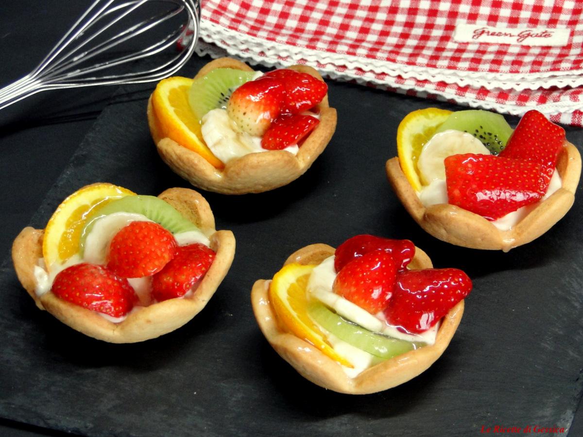 Cestini Di Pasta Frolla Con Crema E Frutta Fiori Di Frolla Impasto Anche Bimby
