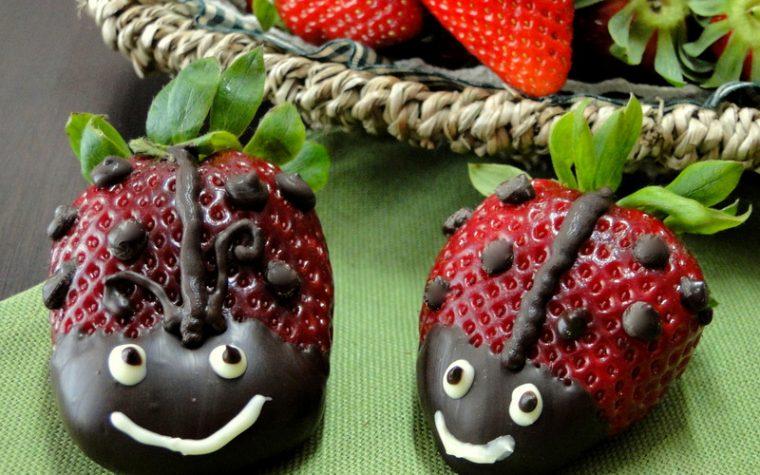 Coccinelle di Fragole e cioccolato - Ricetta dolce
