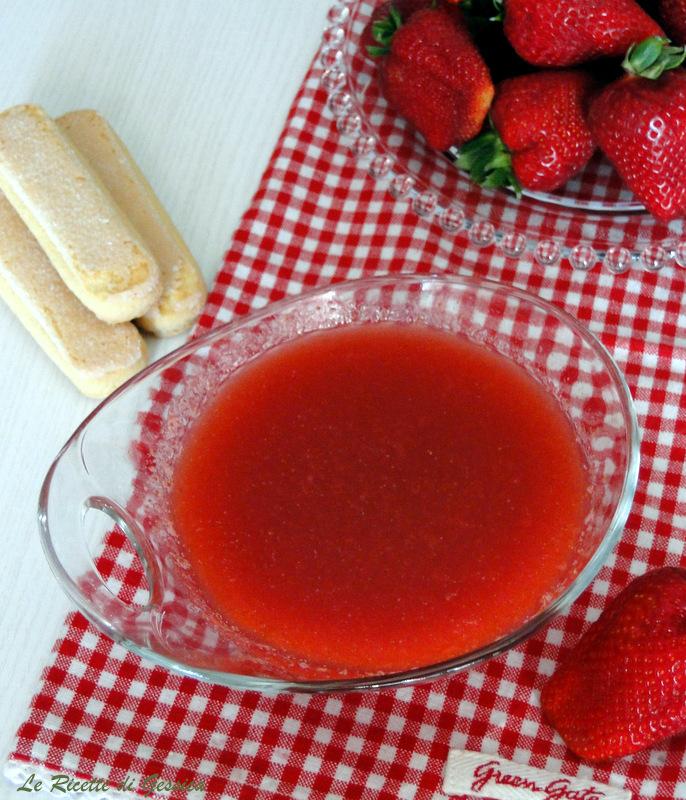 Bagna alla FRAGOLA per Pan di Spagna e dolci - Alcolica o ...