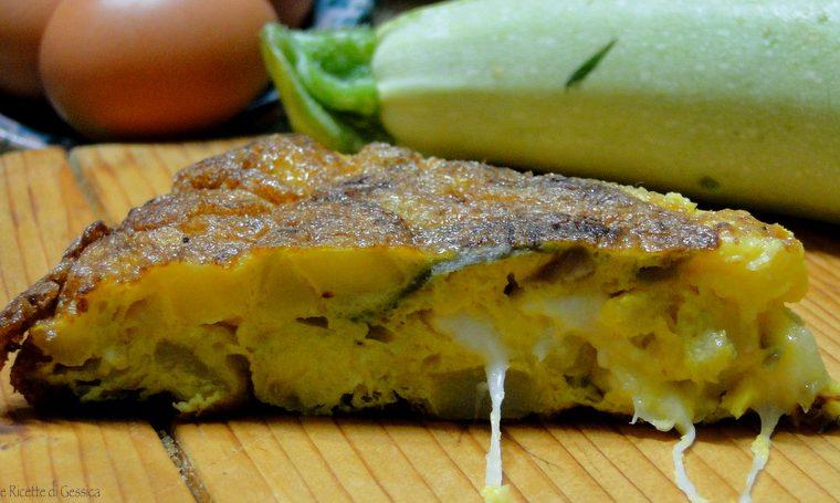 Frittata di zucchine e cipolle filante - Secondo piatto