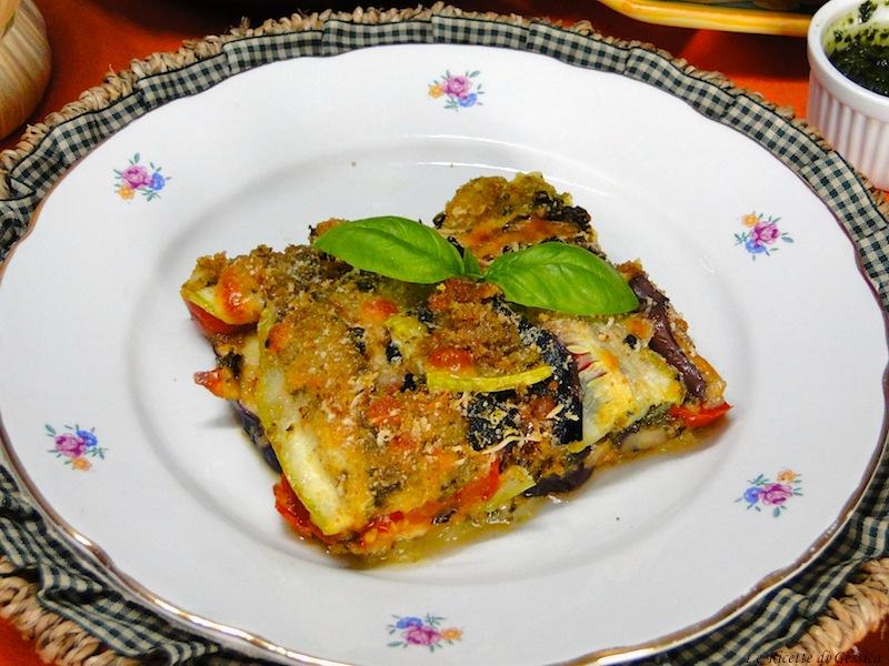 PARMIGIANA DI melanzane zucchine peperoni