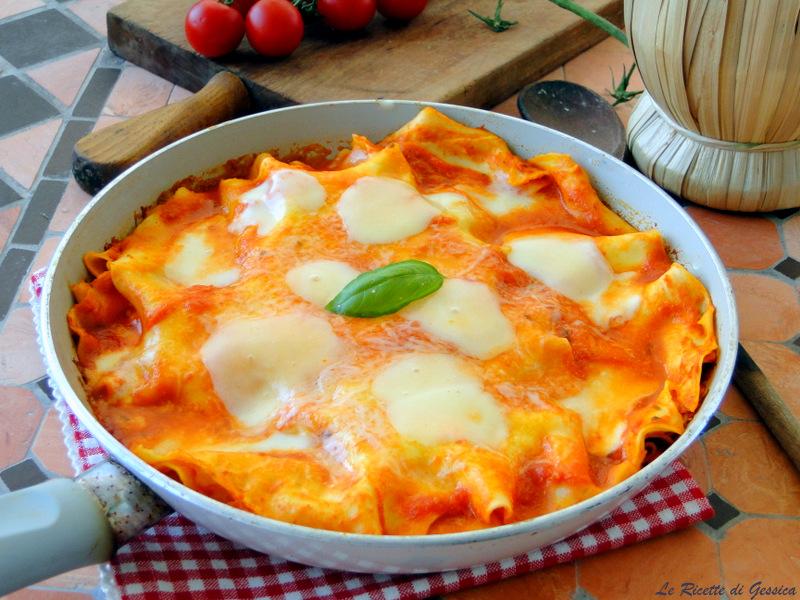 Lasagne in padella senza forno primo piatto facile for Primo piatto veloce