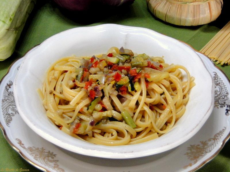 Linguine con verdure miste - Primo piatto Vegetariano