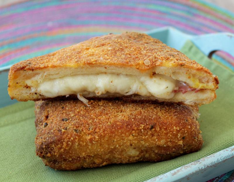 Toast croccanti al forno con prosciutto e formaggio for Ricette mozzarella in carrozza al forno