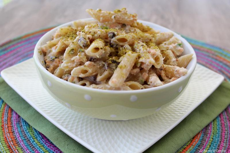 Pasta salmone, Philadelphia e pistacchio - anche Bimby