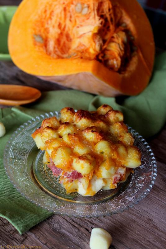 chicche di patate con zucca speck mozzarella gratinati