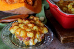 Gnocchi filanti con zucca e speck – Timballo cotto al forno