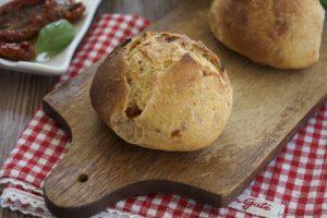 Pane veloce con pomodori secchi – Anche Bimby