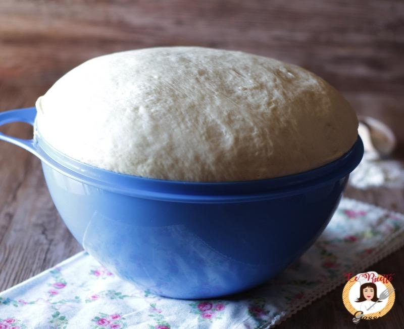 Impasto per la rosticceria siciliana anche bimby focaccia calzoni - Impasto per tavola calda siciliana ...