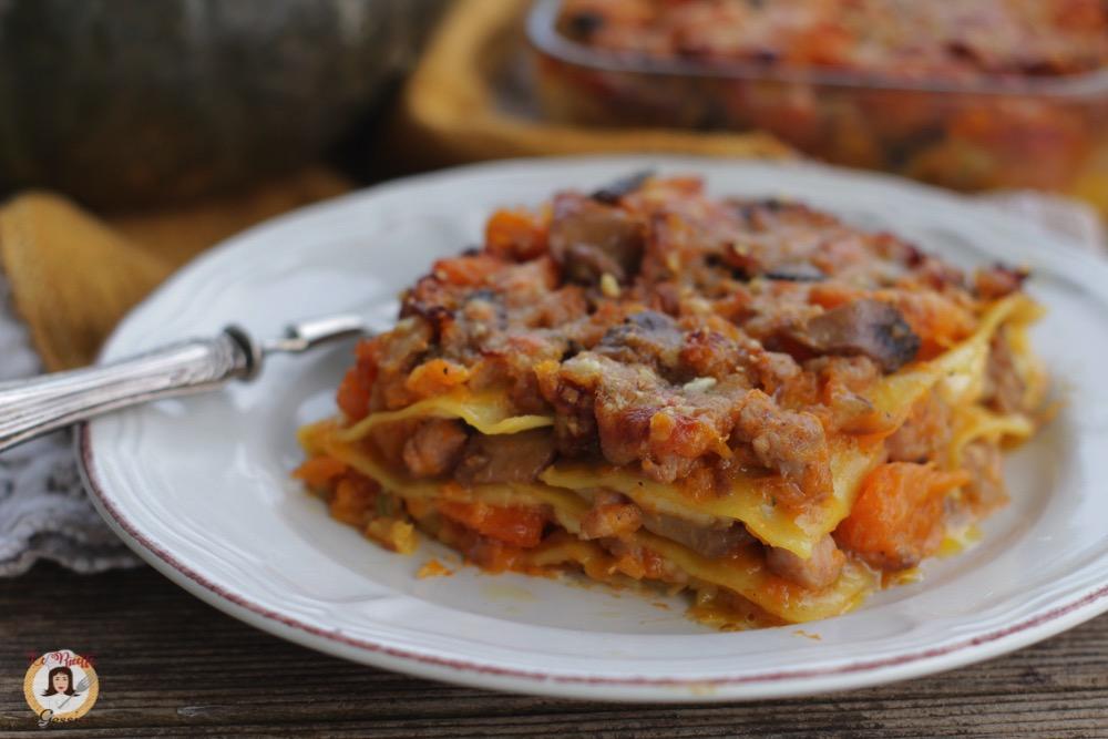 Ricetta Lasagne Funghi E Salsiccia.Lasagne Zucca Funghi E Salsiccia Pasta Al Forno Facile Saporita