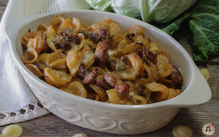 Orecchiette verza e salsiccia con stracchino – Cotte al forno