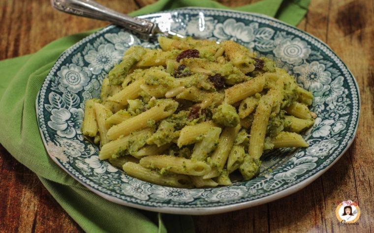 Pasta e broccoli alla Siciliana – Pinoli e mollica tostata