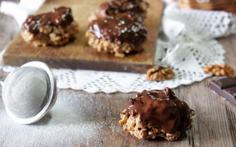 Brutti ma buoni al cioccolato – Con noci o nocciole