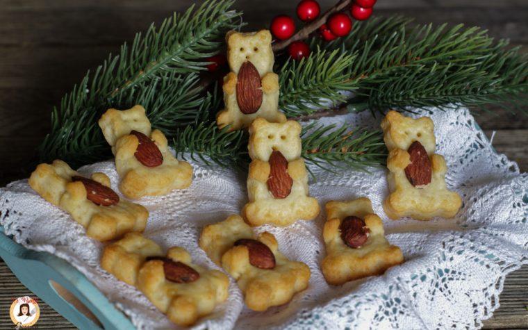 Biscotti salati al formaggio – Orsetti con mandorla – Anche Bimby