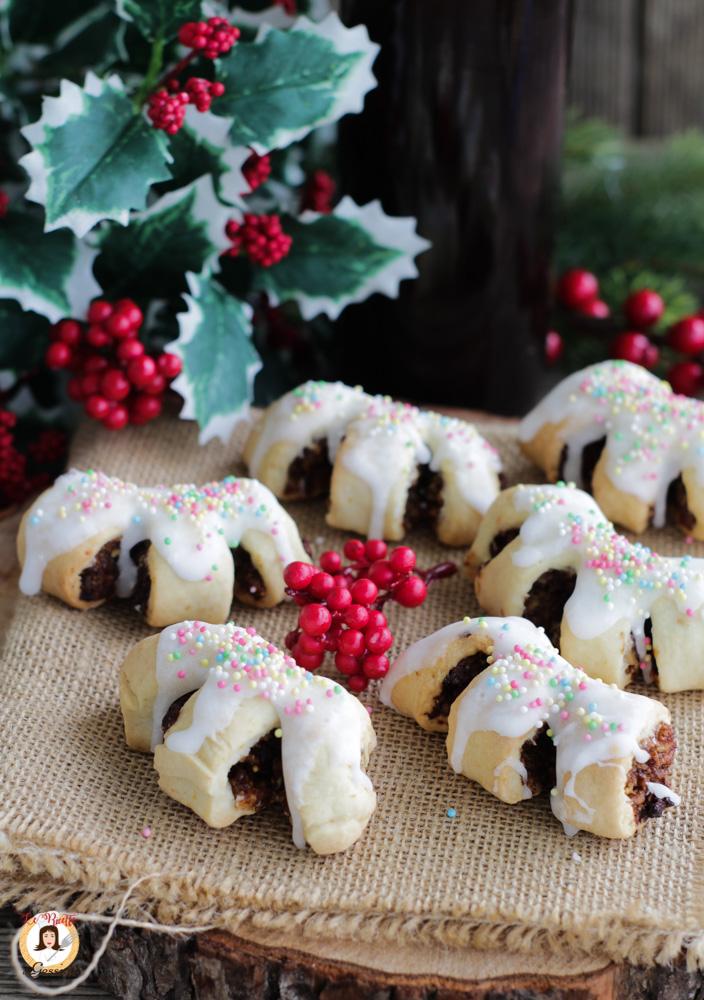 Dolci Siciliani Di Natale.Buccellati Siciliani Biscotti Con I Fichi Secchi Noci Cioccolato E Mandorle