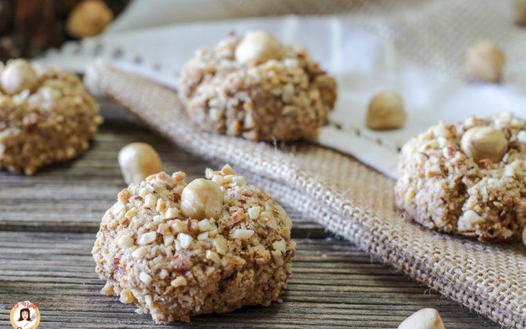 Biscotti alle nocciole senza farina – Con granella – Video ricetta