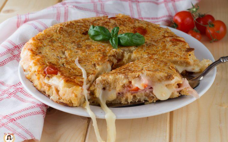Torta di pane raffermo in padella - Con video ricetta