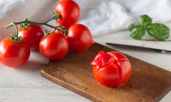 Come spellare i pomodori nel microonde in 1 minuto – Metodo velocissimo