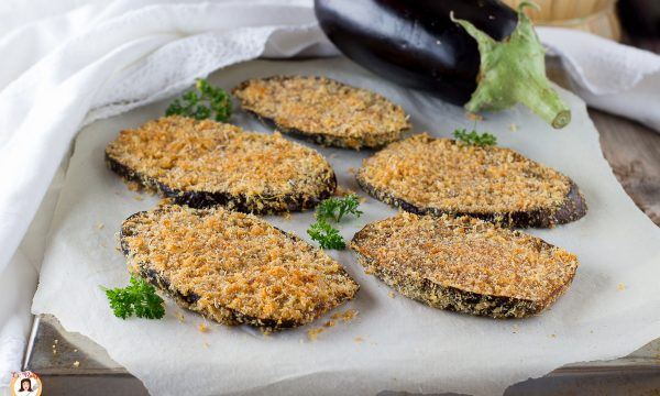 Melanzane al Parmigiano gratinate – Cotte al forno o in padella Senza uova