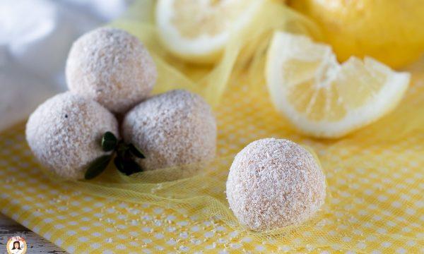 Palline al limone, yogurt e cocco – Dolcetti senza cottura- Anche Bimby