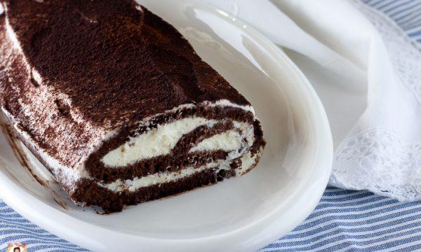 Rotolo Fetta al latte – rotolo al cioccolato con crema al mascarpone