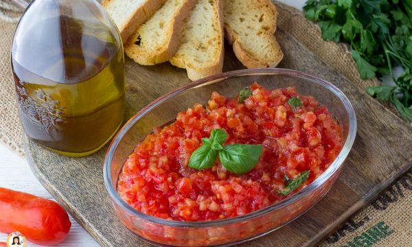 Come fare le bruschette al pomodoro – Cotte in padella o in forno