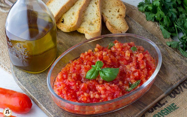 Come fare le bruschette al pomodoro - Cotte in padella o in forno
