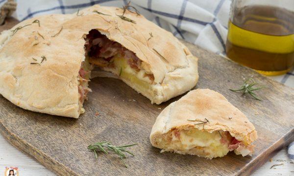 Focaccia ripiena senza lievito con patate e speck – Anche Bimby