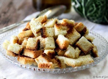 Crostini di pane croccanti fatti in casa – Al forno o in padella