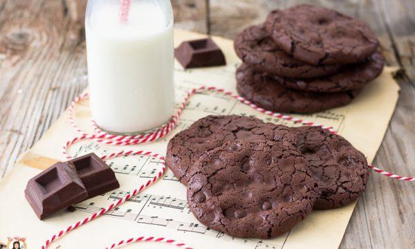 Biscotti con albumi e cioccolato – Senza farina, latte e burro – Gluten free