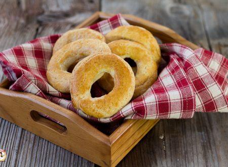 Biscotti ciambelle di pasta frolla Messinesi – Ricetta Siciliana anche Bimby