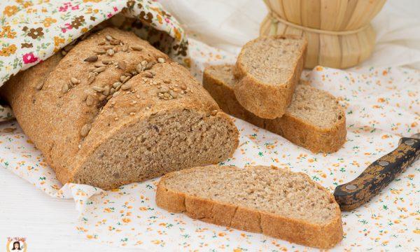 Pane ai semi misti con farina integrale – Anche Bimby