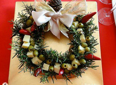 Antipasto Ghirlanda di pane con salumi e formaggi – Ricetta di Natale