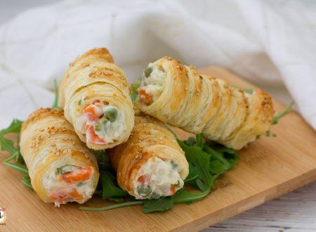 Cannoli di pasta sfoglia ripieni di insalata russa – Antipasto