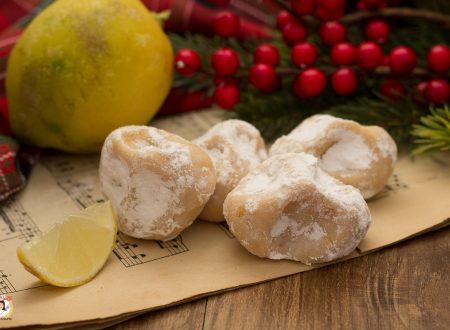 Pizzicotti di Pandoro – Tartufi al limone e yogurt