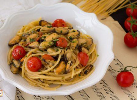 Spaghetti con le cozze e pomodorini