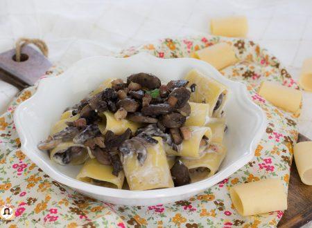 Pasta funghi e Philadelphia con pancetta