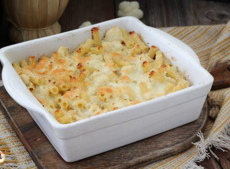 Pasta al forno con cavolfiore e prosciutto cotto, senza besciamella