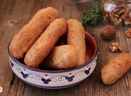 Bastoncini alle noci – Pane fritto anche Bimby