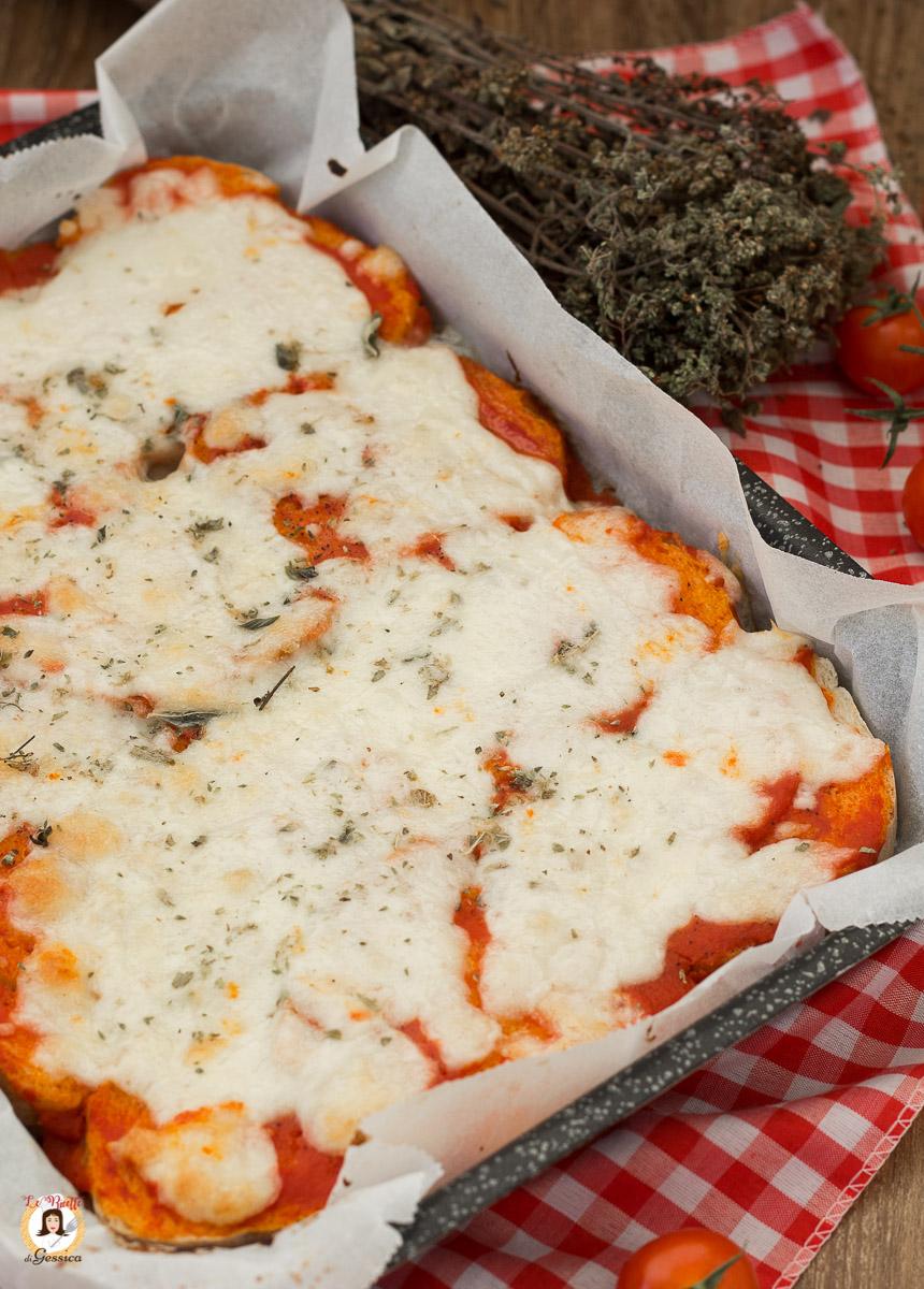 Ricetta Pizza E Pane.Pizza Di Pane Ricetta Facile E Veloce Senza Lievitazione Con Pane Raffermo