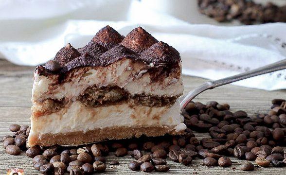 Torta fredda al Tiramisù – Dolce al caffè senza uova