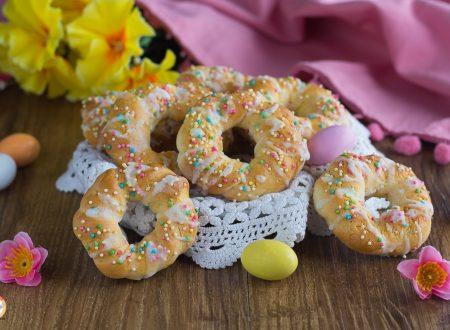 Ciambelle di Pasqua – Biscotti intrecciati della Nonna